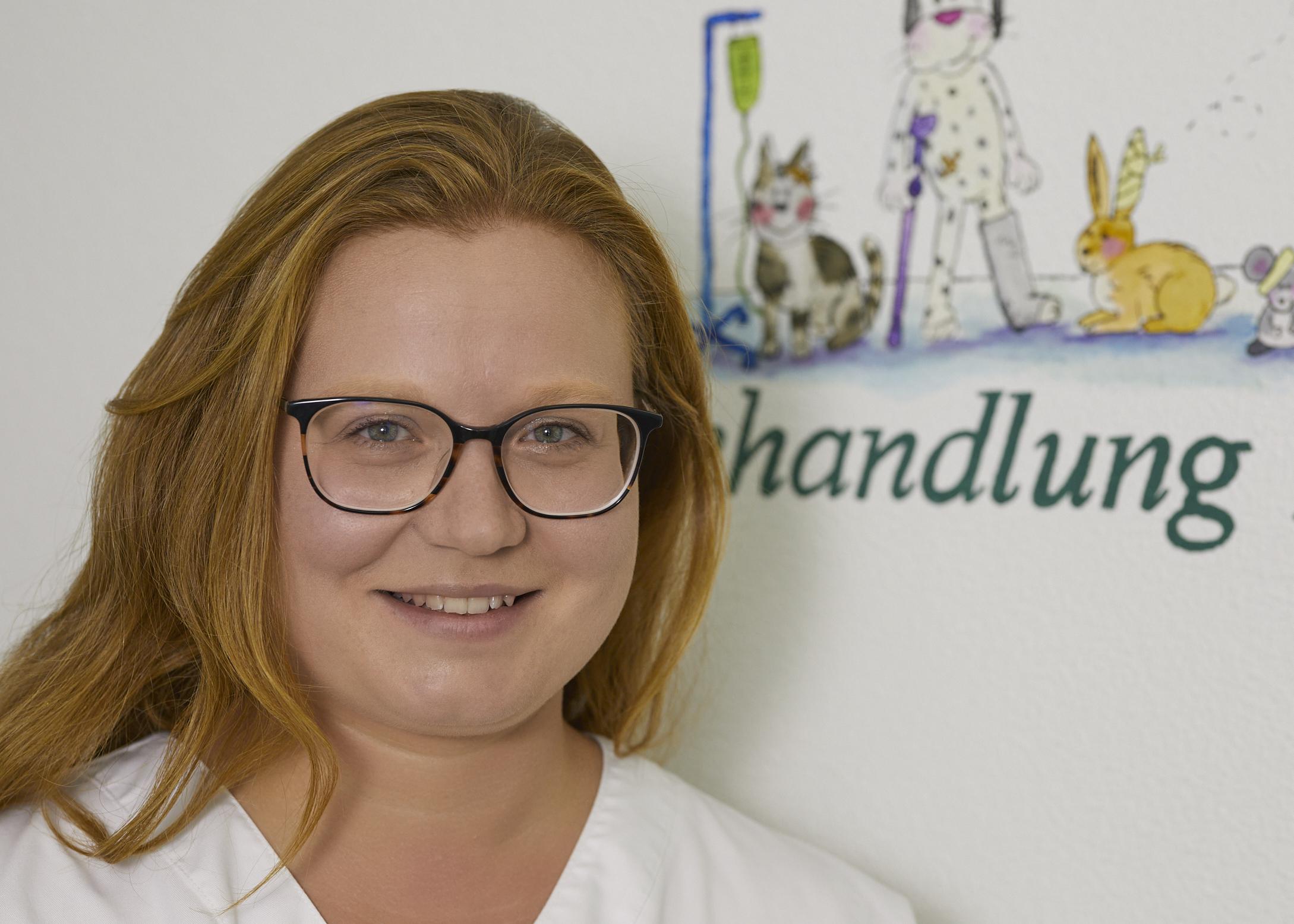 Tierärztin Esther Meiler, in der Praxis Dr. Gerhard Heim in Scheinfeld